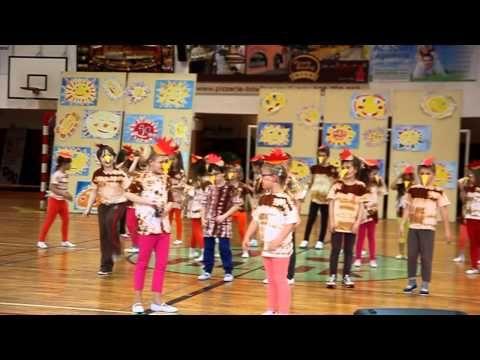 HLUK 2015: Akademie školy - 1. B, Chvála slepic (www.SlovackoDNES.cz) - YouTube