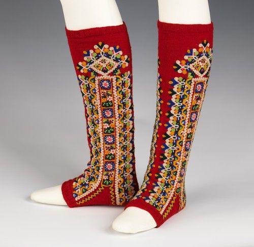 omgthatdress:    Spanish leggings via The Costume Institute of the Metropolitan Museum of Art
