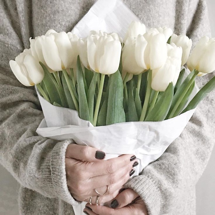 Armfuls of white tulips | onlinestylist on Instagram |