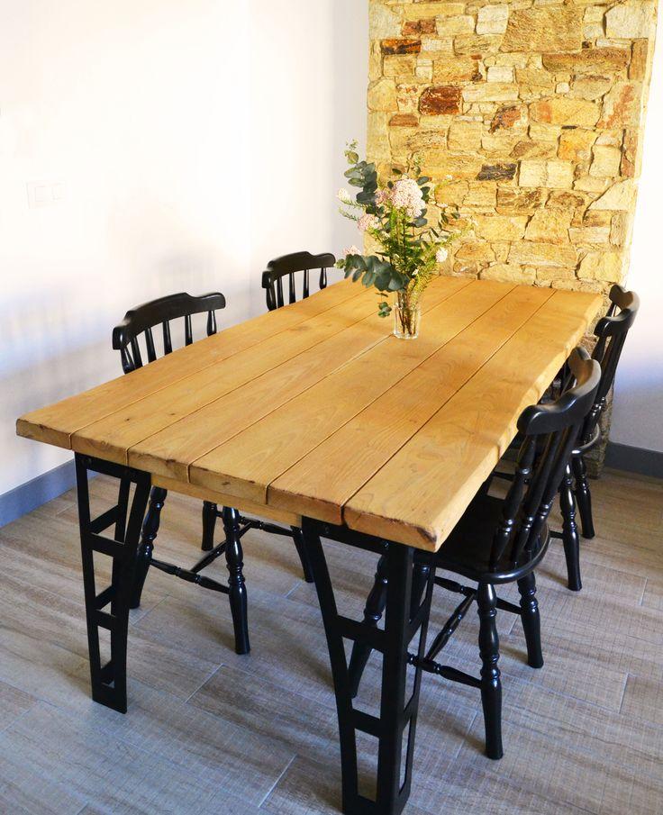 Un rinconcito Northern Sons, con mesa de comedor MIERA