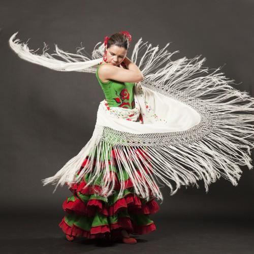 Танцевальные костюмы для фламенко