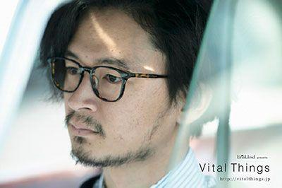 エナロイド×ギタリスト長岡亮介、眼鏡店で音楽ライブイベントを開催