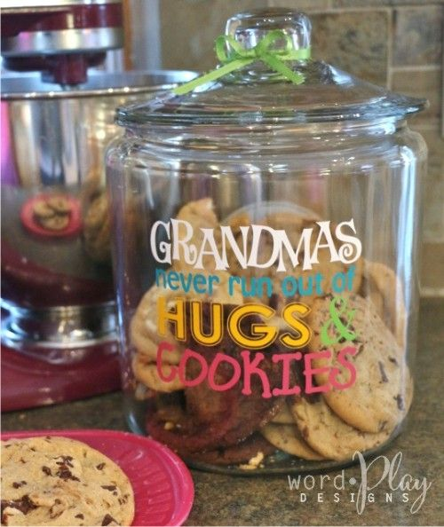 """Cookie jar with vinyl:  """"Grandma's never run out of hugs and cookies!"""""""