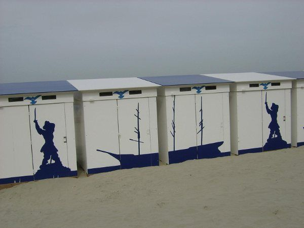 cabine de plage malo les bains cabines de plage. Black Bedroom Furniture Sets. Home Design Ideas