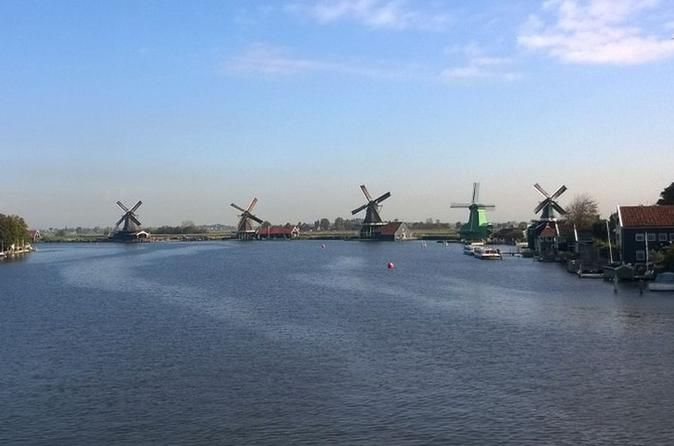 Small-Group Zaan River Cruise Including 3-Course Dinner from Amsterdam Enjoy a 3-course dinner combined with a river cruise on the de Zaan river with sights of traditional wind mills at Zaanse Schans. Be picked up from and brought back to the center of Amsterdam. During the boat ride your local skipper and guide will tell you all about the rich history of the Zaan area and will stop at the best restaurants for tasty food and drinks on the way.  Starting from op...