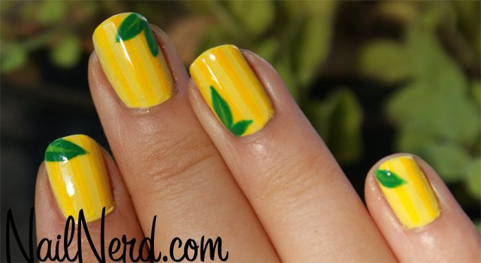 Do you have yellow stains on your nails? Rub them with lemon juice & the stains will disappear thanks to the citric acid.
