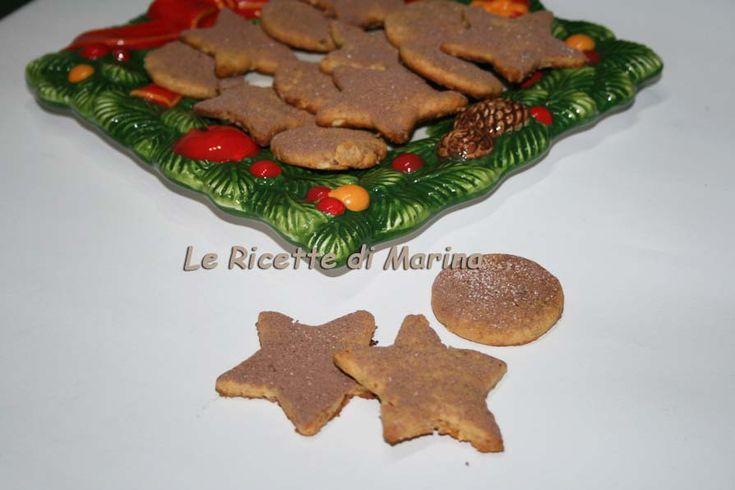 Biscotti con nocciole e miele