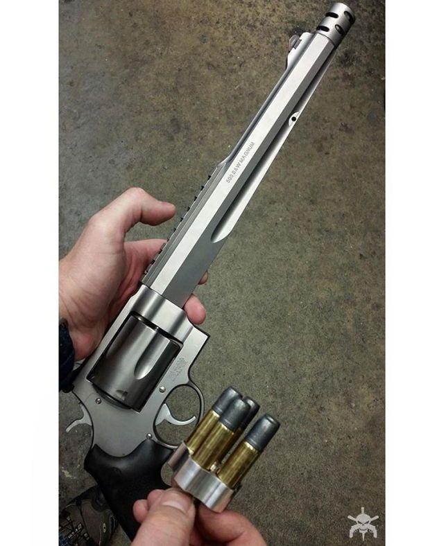 MΔΠUҒΔCTURΣR: Smith & Wesson MΩDΣL: S&W500 CΔLIβΣR: 500 S&W MagnumCΔPΔCITΨ: 5 Rounds βΔRRΣL LΣΠGTH: 10 ½ШΣIGHT: 2248 g