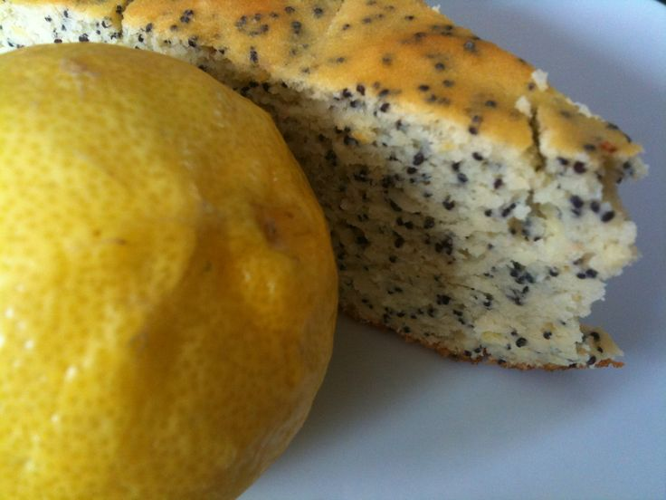 Healthy Lemon Poppyseed cake - gluten-free, sugar-free, dairy-free  uses white beans, egg, stevia, honey