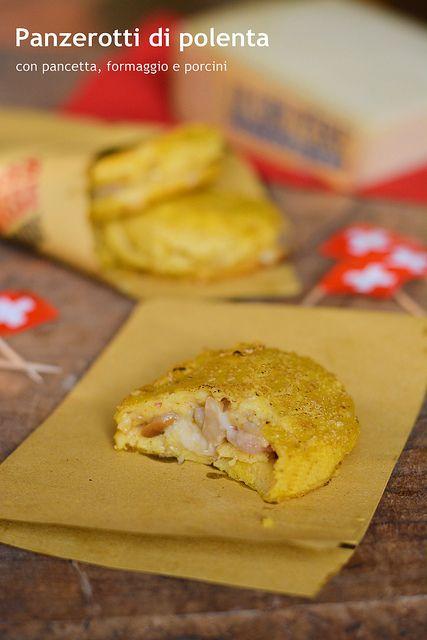 Panzerotti di polenta con pancetta, formaggio e porcini