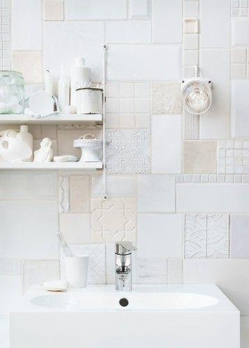 ♥: Modern Bathroom Design, Decor Bathroom, White Tiles, Bathroom Ideas, White Bathroom, Tile Bathroom, Bathroom Interiors Design, Bathroom Decor, Design Bathroom