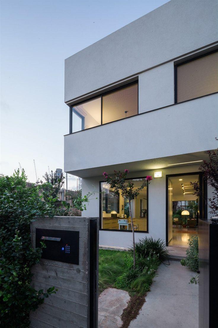 Skromná rezidenční čtvrť ležící jihovýchodně od Tel Avivu, zažívá v poslední dekádě stavební rozmach.