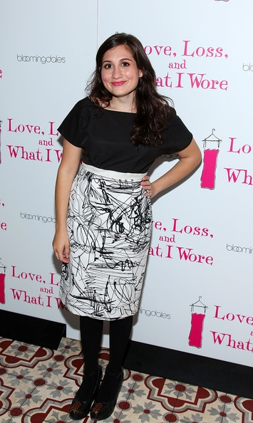 Want to make this skirt...as a dress. Lucy DeVito