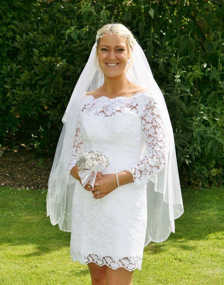 Real wedding: Short white Guipure Lace wedding dress by Rachel Lamb Design. #bespokeweddingdress #shortweddingdress