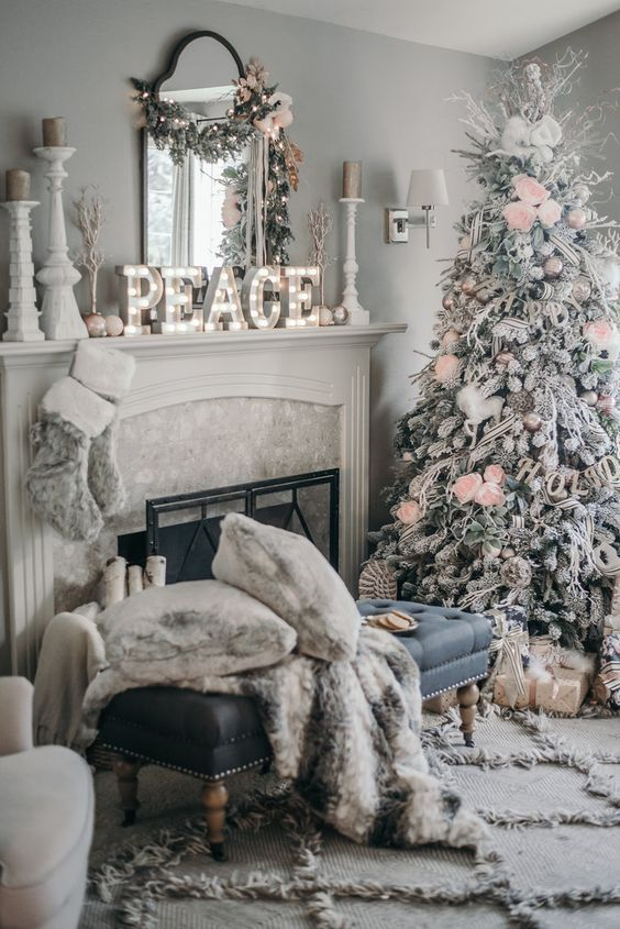 Stunning Christmas decor for the modern farmhouse living room