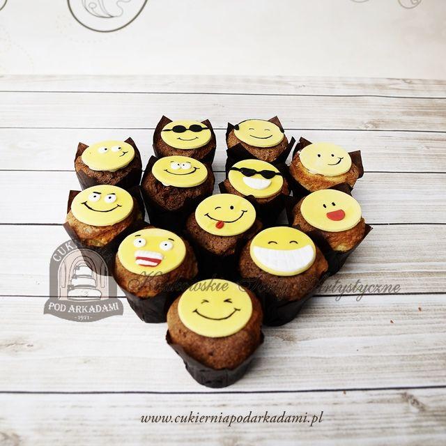 19BC Babeczki Emotki - buźki emotikony. Emoji cupcakes.