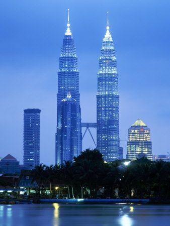 Twin Towers of the Petronas Building, Kuala Lumpur, Malaysia, Southeast Asia