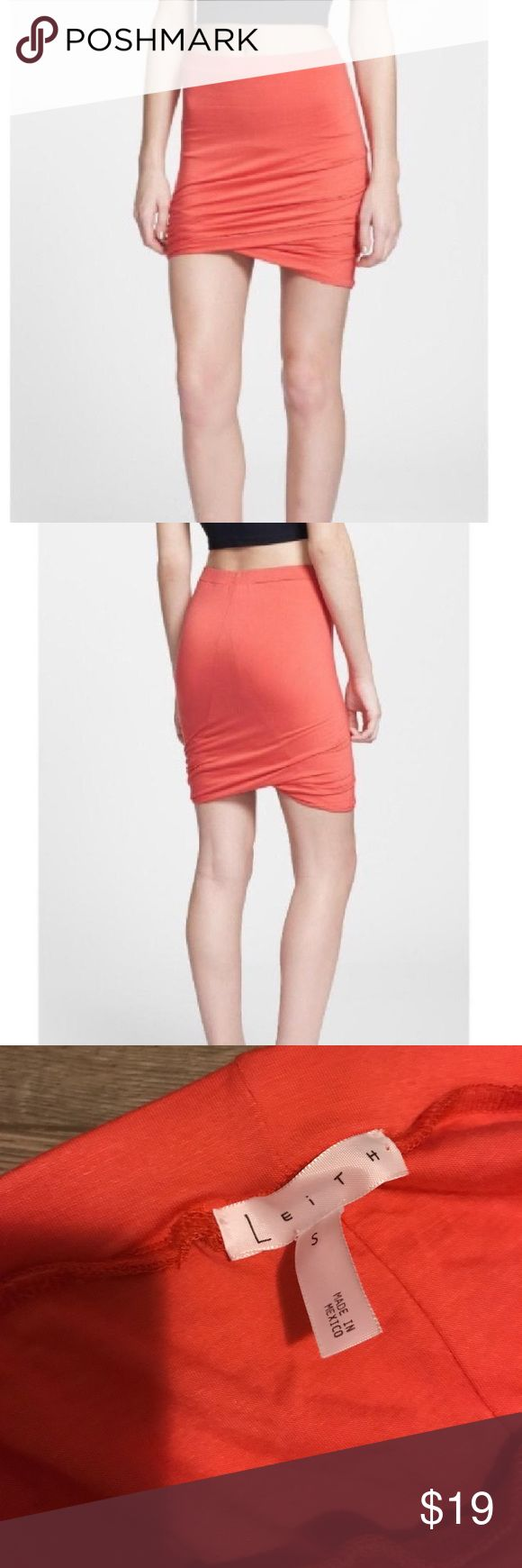 Leith twist body con skirt, worn once Perfect condition, bought from Nordstrom's Leith Skirts Mini