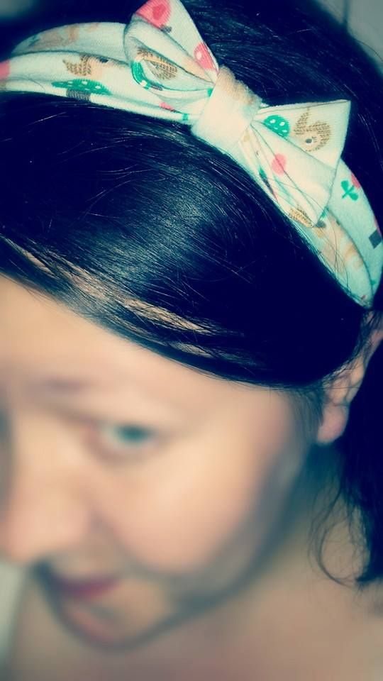 Genäht von Ginys Nähkästchenplauderei, zum Gratis-Schnittmuster: http://www.kreativlaborberlin.de/naehanleitungen-schnittmuster/haarband-mit-schleife-in-5-groessen-baby-erwachsene/