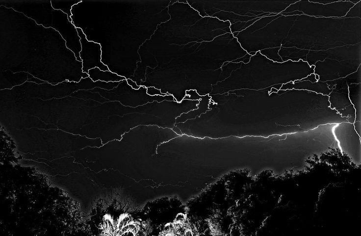 #lightning #ballito #storm #bandw #blackandwhitephoto #canon #70D #longexposure #bulb