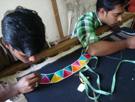 Design| A dynamic social enterprise that unites Australian fashion designers and Indian artisans is helping to keep India's textile crafts alive. #Australia #Design #artisansoffashion