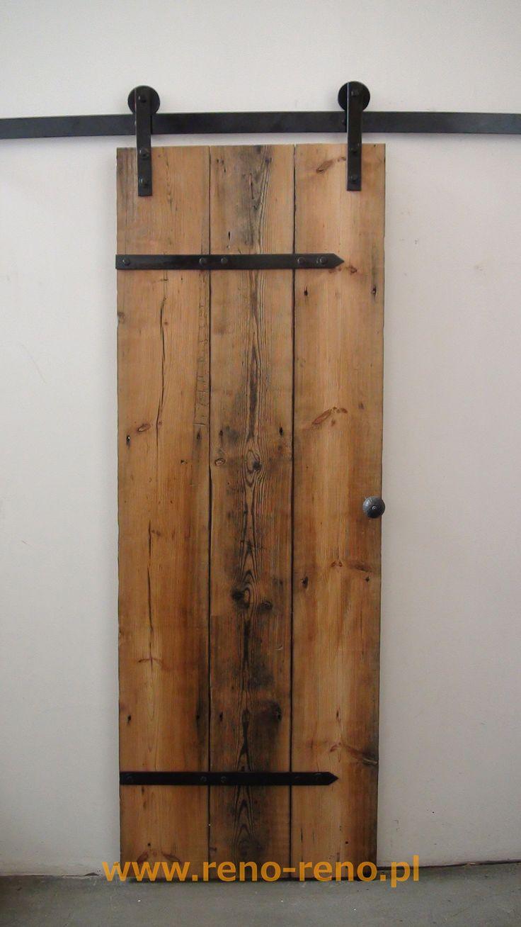 Proste drzwi przesuwne w stylu rustykalnym. Pracownia Reno