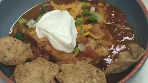 Looking for a simple meal with lots of protein? Chef Phil Smith shares his recipe for chicken and bean chili. Click on the link for the recipe http://atlantic.ctvnews.ca/chicken-bean-chili-1.2887511