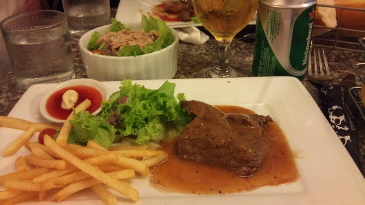 French beefsteak with black pepper sauce at TiTi Vu Huy Tuan.