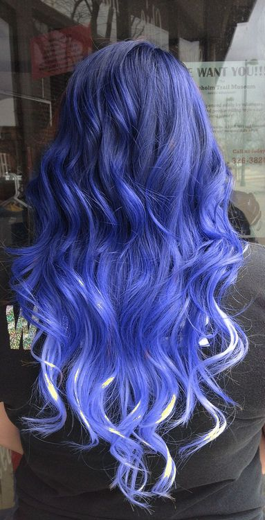 curled blue ombre hair