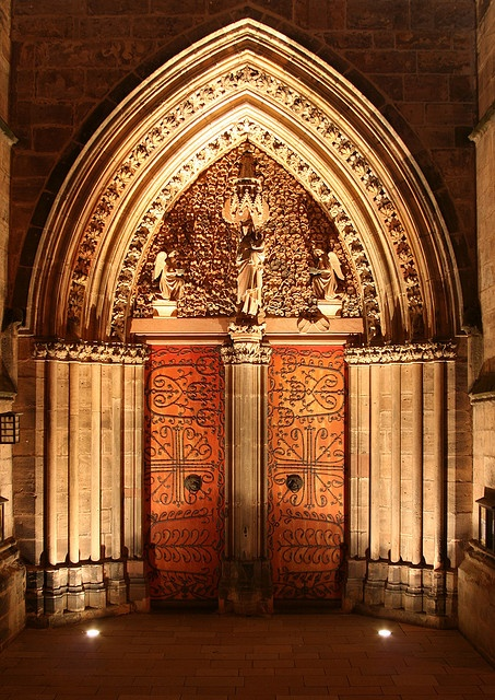 Portal of the Elisabethchurch at night, Marburg (Lahn), Germany