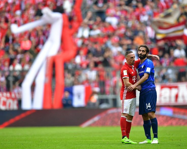 Endlich vorbei  Wer ist hier eigentlich abgestiegen? Darmstadt muss in die Zweite Liga - und wird gefeiert. Der Meister FC Bayern schleppt sich dagegen in Richtung Saisonende. Es wird Zeit für die großen Ferien.