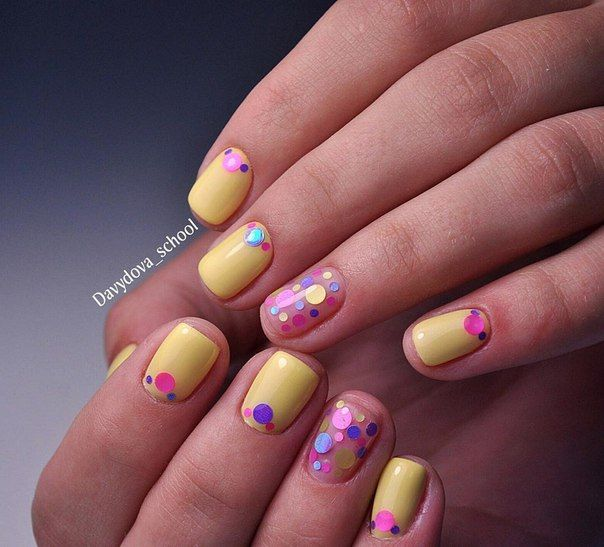 Beautiful summer nails, Everyday nails, Glitter nails ideas, Ideas of yellow nails, Nails with stickers, ring finger nails, Short nails for kids, Square nails