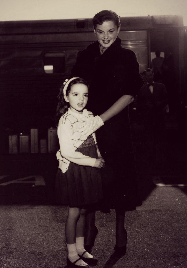 Judy Garland and daughter Liza Minnelli