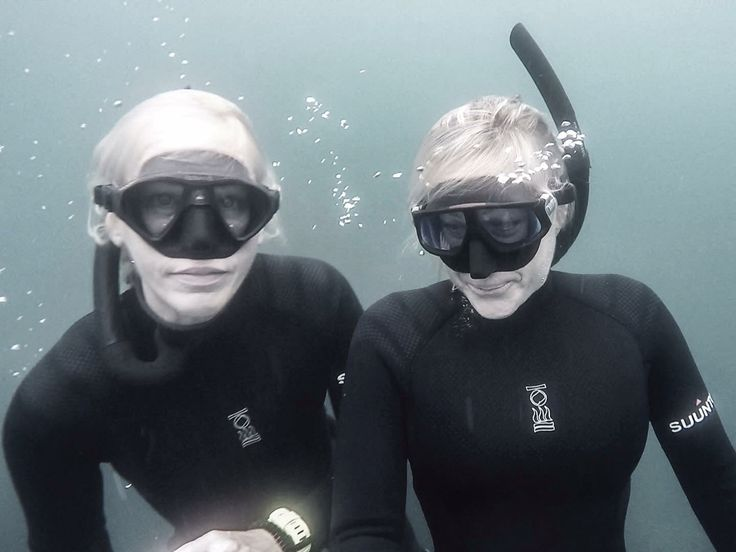 It's FRIDAY ... Let's DIVE!!! ~ w/ #fourthelement  #scubadivergirls #freediving #lajolla