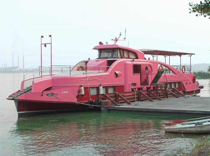 Loving the pink yachts