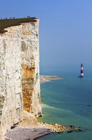 Beachy Head. East Sussex, England. Whoever illustrated the world ran out of ink at Beachy Head. These chalk cliffs are the tallest in all of Britain and attract thousands of clearly not-afraid-of-heights tourists every year.21 Surreal Places In The UK To Add To Your Bucket List
