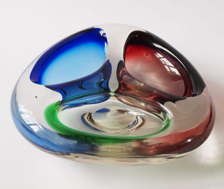 Karlovarske sklo 3 colour bowl, N. U. Moser by Frantisek Zemek Cat. No. 1408