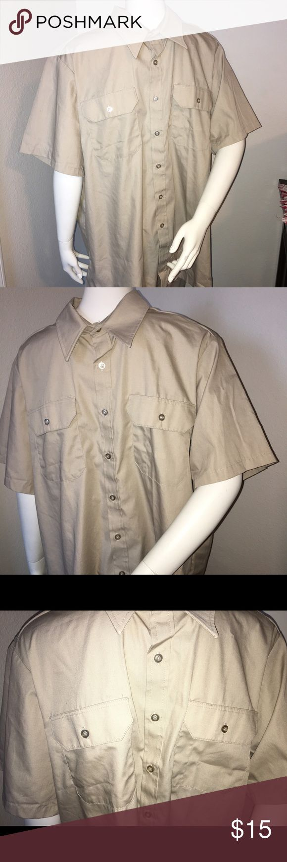 "martins superior uniform light khaki shirt NWOT Thank you for viewing my listing, for sale is hey Martin's uniform brand, light khaki, short sleeve, button-down uniform work shirt.  NWOT SZ: 17 1/2 From under one arm to under the other measures appx 27"" from the top of the shoulder to the bottom of the shirt measures appx 33"" martin's superior uniform Shirts Dress Shirts"