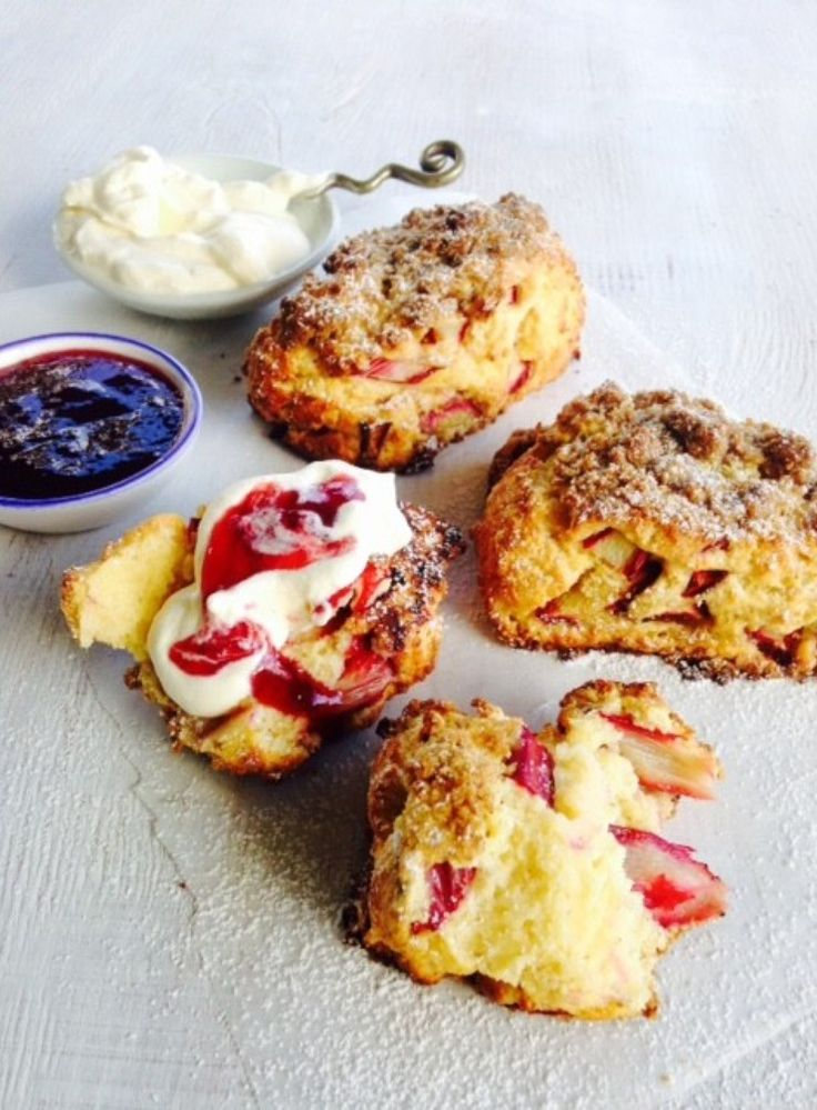 Rhubarb Scones with Spiced Streusel Topping