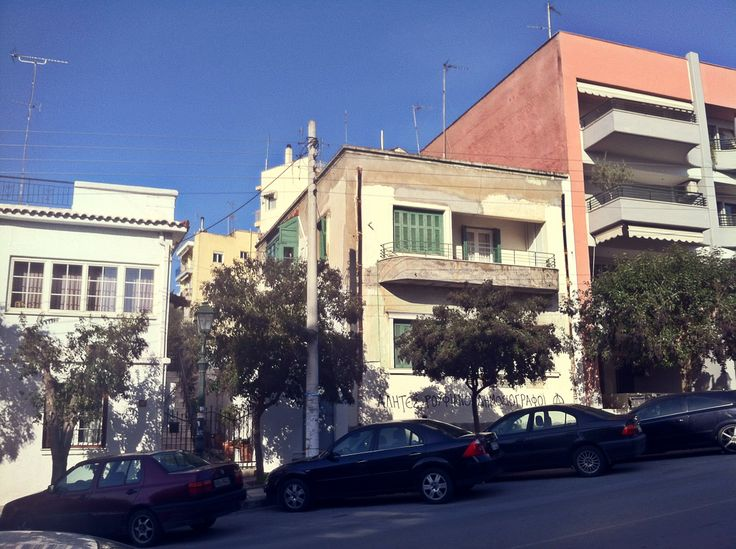 Some of the beautiful houses of Saranta Ekklisies on Vyziinou Street. (Walking Thessaloniki - Route 13, Forty Churches)