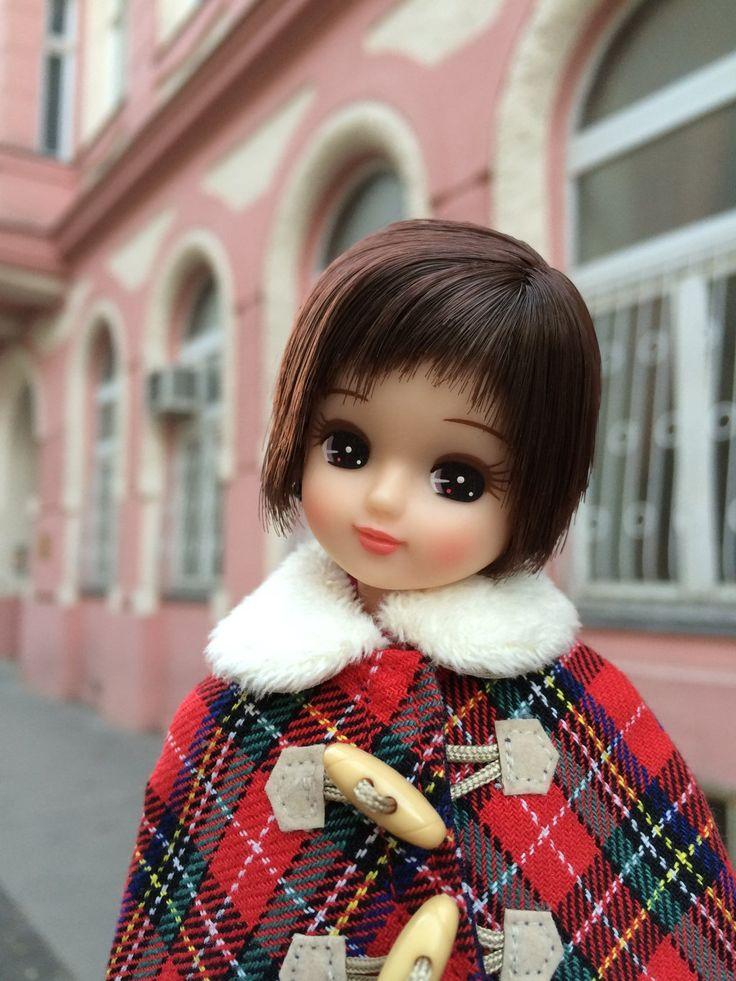 """リカちゃん  * 公式 *♬ on Twitter: """"ボンジュール♪ 1月22日は『カレーライスの日』なんですって☆ 香山家では、カレーに隠し味として無糖のココアを少しだけいれるの! コクが出て、美味しくなるのよ♡ みんなのお家では、どんな隠し味が入っているのかしら? #今日は何の日 https://t.co/oeoJUtpl4X"""""""