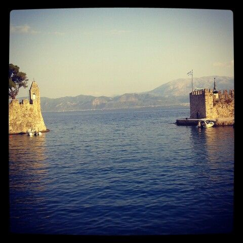 Nafpaktos, Port
