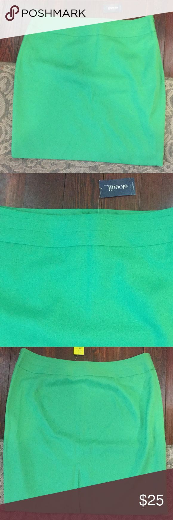 Bright Green Pencil Skirt Bright green pencil skirt, fully lined, with side zipper and kick vent in back. NWT! Waist measures approximately 20 inches flat and length is approximately 21.5 inches. Made of 100% polyester. No stretch. Eloquii Skirts Pencil