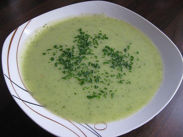 Zucchini - Creme - Suppe, ein leckeres Rezept aus der Kategorie Kalorienarm. Bewertungen: 170. Durchschnitt: Ø 4,3.