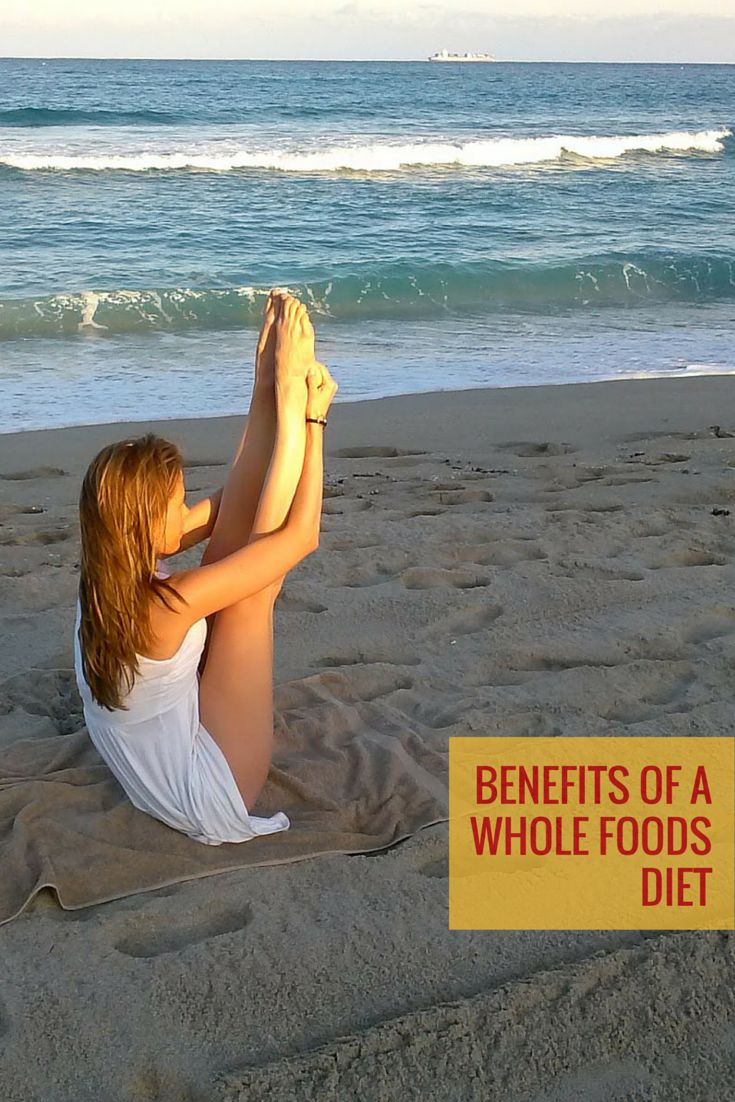"A simple and highly effective whole-foods diet with 4 general rules:  1) Eat natural foods  2) Avoid processed and packaged foods  3) Indulge in treats ""at times""  4) Let your body natural hunger instinct tell you when and what you eat."