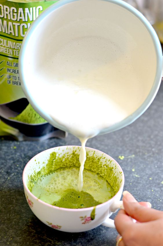 Vanilla and cardamom spiked Green matcha tea Latte. Such goodness in one cup