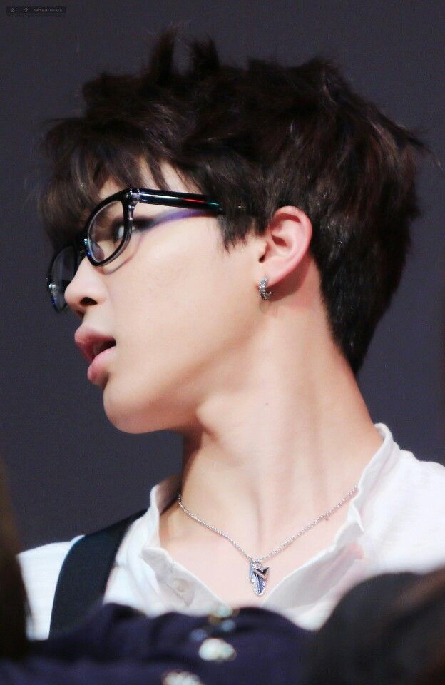 BTS - JIMIN dear lawh, this boi in GLASSES I CANNOT EVEN HANDLE RIGHT NOW