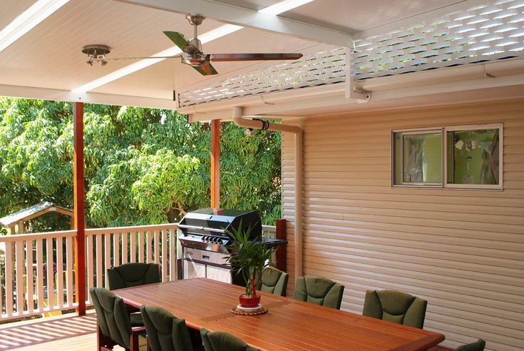 Create a sense of space with a breezy and modern Flyover Roof Patio. #patiodesign