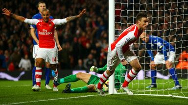 Arsenal scrape past Leicester