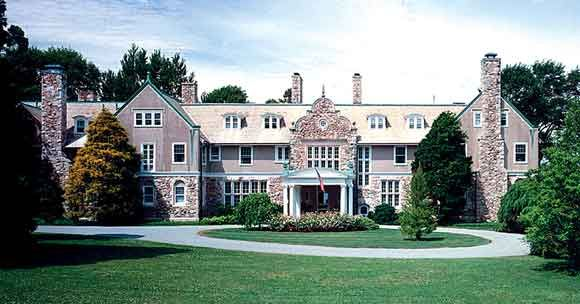 Blithewold Mansion A 33 Acre Summer Estate With Beautiful Views Of Narragansett Bay Gardens